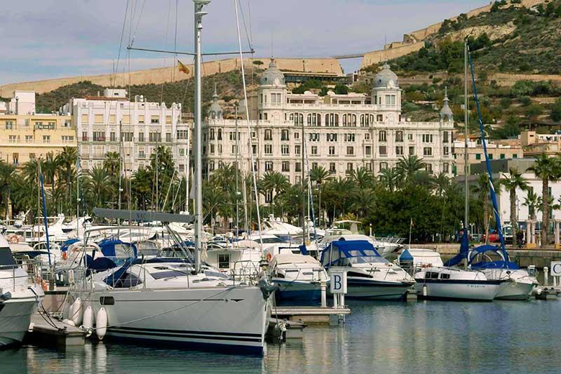 Alicante im Frühling