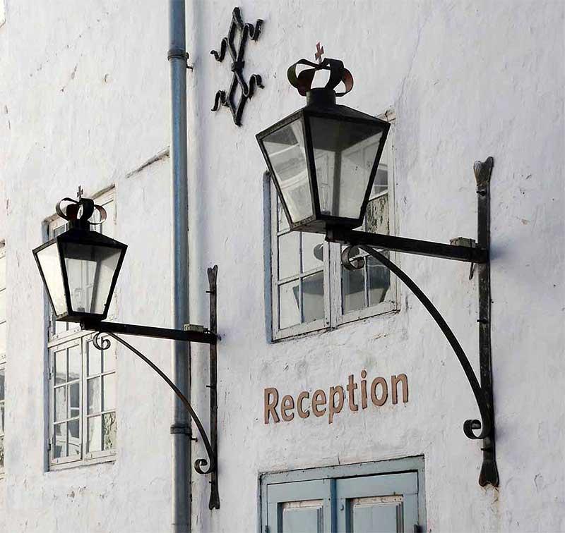 """Rezeption und Eingang in das sehr gute Schlossrestaurant """"Lammefjordens Spisehus"""""""