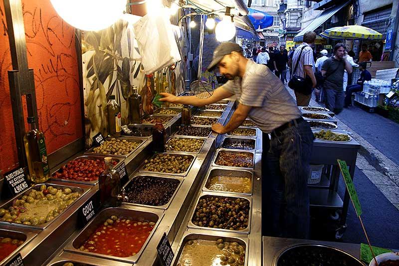 Verführerischer Duft exotischer Gewürze Im arabischen Viertel